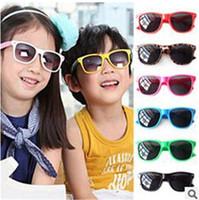 Arbeiten Sie populäre Sport-Sonnenbrille-Kind-Jungen-Retro- Art UV400 nette Sonnenbrille preiswerte Sonnenbrille 24Pcs / Lot um Freies Verschiffen