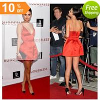 2015 Selena Gomez Celebrity Party Jurken Spaghetti Bandjes Sexy Diepe V-hals Backless Short Mini Red Carpet Avondjurken onder 100 $