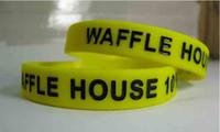 Benutzerdefinierte Silikon Armbänder 12mm Breite 1 Farbe Gefüllt Debossed Texte Logo Benutzerdefinierte Silikon Armband Für Veranstaltungen Geschenk