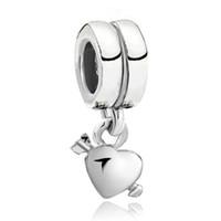 Fabrik direkt försäljning rhodium plätering hjärta och pil dangle kärlek charm pärla passform pandora chamilia biagi armband
