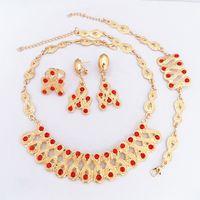 24 K Altın Kaplama Kırmızı Kristal Yakut Kolye Küpe Bilezik Yüzük Moda Takı Setleri 706 Altın Kuyumcu Seti Kadınlar Parti Elbise Kolye Set