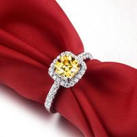 무료 배송 훌륭한 도매 - 3 CT 황금 결혼 반지 여성용 고전적인 공주 컷 약혼 할로 스타일 쿠션을위한 다이아몬드 링을 시뮬레이트