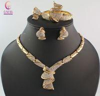 Sieraden Sets Afrikaanse Kralen Kraag Verklaring Ketting Oorbellen Bangle Fine Rings voor Dames CZ Diamond Bruiloft Accessoires