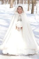 Neue Ankunft 2021 Sonderanfertigte White Winter Wunderschöne Satin mit Kapuze Hochzeitsmantel Kleider formale Brautkap-Wrap