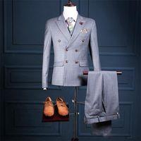 Новое прибытие на заказ свадебные костюмы жених смокинги серый двубортный формальные костюмы бизнес носит костюм жениха (куртка + брюки + жилет)