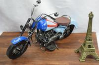 الرجعية الصفيح دراجة نارية دييكاست نموذج سيارة لعبة مع العلم الأمريكي، عمل كلاسيكي يدويا من الفنون، طفل عيد ميلاد حزب الصبي هدية، جمع، الديكور