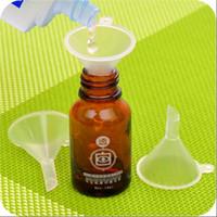البلاستيك البسيطة الضروري النفط قمع كريم البلاستيك قمع تصفية كأس 100 قطعة / الوحدة أفضل بيع البلاستيك قمع قمع واضح CYB10