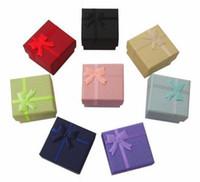Boîte à bijoux de mode en gros 120pcs / lot, boîte à bagues multi couleurs, boîte à boucles d'oreilles / pendentif 4 * 4 * 3