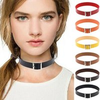 2016 Retro Circle Chokers Collane Lady Lega Cerchio Decorazione Choker PU Girocolli Accessori giornalieri Girocolli in pelle Collane Trendy Choker