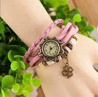 heiße neue Lederhandgestrickte Vintage Uhren Kleid Armband Frauen Mädchen Damen Klee Anhänger Retro