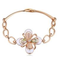 High End perfezionamento romantico austriaco di cristallo opale fiore di trifoglio moda gioielli accessori accessori braccialetti dichiarazione per le donne