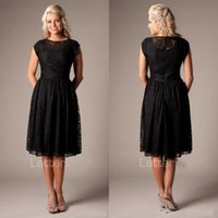 Beach Style A Line Vintage Black Lace Short Modest Bridesmai...