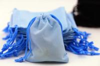 무료 배송 200PCS 7x9cm 벨벳 졸라 매는 끈 주머니 가방 보석 가방 크리스마스 웨딩 선물 가방 액세서리 블랙 레드 핑크 블루
