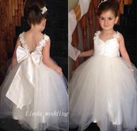 2019 robes blanches de filles de fleur populaires A-ligne longs mariages partie filles robe de reconstitution historique robes première robe de sainte communion