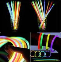 2016 Çok Renkli Glow Sopa 20 cm Bilezik Neon LED Yanıp Sönen LED işık konektörü ile parti Vokal Konser Flash Flaş glow Sticks