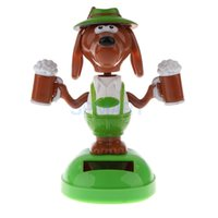 Atacado-Solar Powered Dog com cerveja dançando Flip Flap Car Home Office Desk ornamento decoração Dancer Bobble Toy Head Kids Chrismas Gift