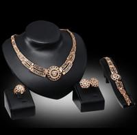 Fashion Leone Head Crystal CZ Bridal Jewelry Set Gold Color Pendant Collana Orecchini Anello Braccialetto Braccialetto Set di gioielli per le donne