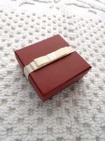 Caja de embalaje de la joyería del vino rojo de la moda para el collar / los pendientes Alta calidad 800 gramos de cartón 128 gramos de caja de jewlery del papel revestido del color