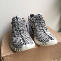 High quality Sneaker Shoes Kanye Milan West Boost 350 V1 Cla...
