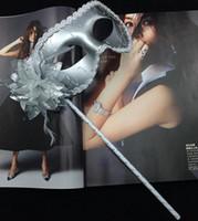 Venise mascarade plume fleur femmes masque sur bâton Mardi Gras Costume Halloween Carnaval Poignée Bâton parti masques festive Fournitures événementielles