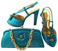 Elegante aquamarine Schuhe bringen Taschenserie mit Rhinestones-Blumendekoration zusammen afrikanische Schuhe und die Handtasche, die für Kleid MM1040, Ferse 11CM eingestellt wird