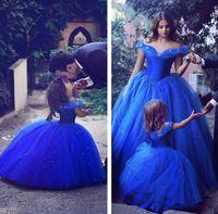 Inspirerad av Cinderella 2017 Nyblå av axeln A Line Flower Girl 'Dresses Tulle Crystals Little Girls' Wedding Party Dresses