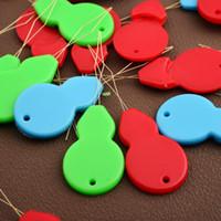 Envío libre de fábrica de venta Automático de ida y vuelta es coser enhebrador de aguja viejo aguja enhebrador de plomo es reconocer rápidamente aguja herramienta de aguja
