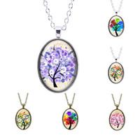 Toptan Moda Stil Illusion Gökkuşağı Hayat Ağacı Cam Cabochon Desen Çiçek Kolye Kolye ile Kadınlar için Gümüş Kaplama Zincir