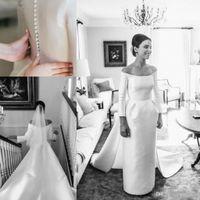Abiti da sposa a maniche lunghe anni '60 A-Line Jewel Neck Backless Semplice cappella treno in raso con bottoni Abiti da sposa britannici per matrimoni vintage economici