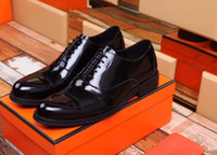 8050Leather Shoes Men Dress Shoes Business Punta a punta Lace-Up Shoe Shoe Suola in gomma traspirante Scarpa maschile.