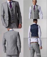 Smoking Custom Made Groom Smoking Grigio chiaro Best man Suit Smoking Notch con risvolto Groomsman / Abiti uomo Bridegroom (Jacket + Pants + Vest + Tie) J156