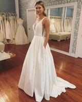 2019 Jardín Clásico Vestidos de novia con encanto Una línea V Cuello sin mangas Barrido Lentejuelas Apliques Art Deco inspirado en el cuello Vestidos de novia