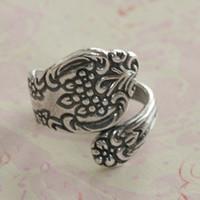 30pcs / lot nuovo modo caldo di qualità superiore antiquato floreale argento ottone anticato cucchiaio ricerca anello