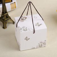 50 x Weiß Schmetterling Muster Mond Kuchen Box Pralinenschachtel Mit Griff Verpackung Baby Shower Geburtstag Verpackung Boxen 11,5 * 11,5 * 10 cm