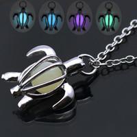 Forma de tortuga hueca color plata gargantilla collar mujeres luminosas que brillan intensamente en los collares oscuros colgantes collar llamativo regalo