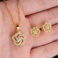 Moda na moda 18k real banhado a ouro mulheres Jóias conjunto de luxo Áustria Branco Cristal Colares / Brincos Baixo Preço 628