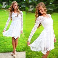 Vestidos de novia casuales blancos con mangas largas Escote de cristal Hasta la rodilla Vestido de novia de encaje completo Vestidos de boda cortos en la playa