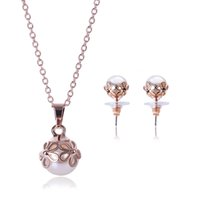 Set di gioielli con collana e orecchini di perle con ciondoli 2016 Vendite calde di moda I gioielli di abbigliamento presenti per le donne