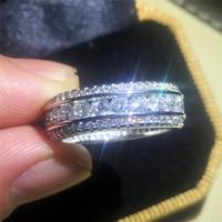 Anelli in oro bianco autentico pieno 10KT di alta qualità di lusso con anelli di diamanti simulati pave Anelli stile europeo da donna