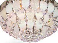 Круглый кристаллический светлый потолок творческой спальни. Потолок оставляет лепестки лампы. Потолок Из Нержавеющей Стали. Листья цветы моделирование огни