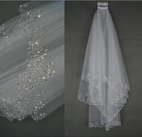 2017 Charming Veu De Noiva 흰색 아이보리 신부 베일 2 층 Tullle 웨딩 액세서리 크리스탈 Voile Mariage가있는 웨딩 베일