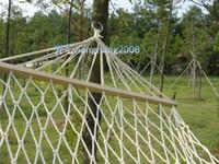 Envío libre al aire libre de malla hamaca hecha a mano palo de algodón hamaca hamaca Swing Stick cuerda de algodón solo hamaca bolsa de red