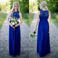 컨트리 스타일 로얄 블루 롱 신부 들러리 드레스 싸구려 얇은 깎아 지른 레이스 보석 목 지퍼 다시 시폰 하녀의 명예 가운 층 길이