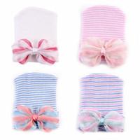 """0-6M más nuevo bebé recién nacido Crochet sombreros con gran arco linda niña de encaje de gasa tejer rayas de cobertura de algodón 4 """"Bow Beanie"""