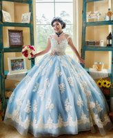 Popolare leggero cielo blu e bianco quinceanera vestito cappuccio manica corta in pizzo di applique con perline sash bow vestidos de 15 anos ball gown 2019