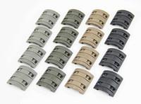 32 قطعة / الحزمة التكتيكية الملحقات العالمي المطاط handguard رباعية X-T-M المحسن وحدات الشخصي الكامل 1913 picatinny السكك الحديدية يغطي في 4 ألوان