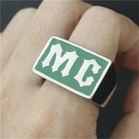 5 unids / lote Diseño Personal Green MC Biker Ring Acero Inoxidable 316L Envío Rápido Band Party Motorcycles MC Ring