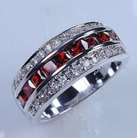 beyaz altın 10kt Victoria Wieck Lüks Takılar Erkekler hediye Boyutu 8/9/10/11 için Kırmızı Garnet Simüle Elmas Düğün prenses Gelin Rings doldurdu