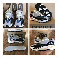 [With Original Box ]2017 New Kanye West Wave Runner 700 Boos...
