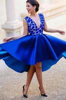 Beautiful Blue 2019 Breve Abito da ballo da ballo Abiti da sera Abiti da sera ad alta ribalta Abiti in rilievo con scollo a V in pizzo Gonna satinato